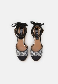 River Island - Platform heels - white - 5