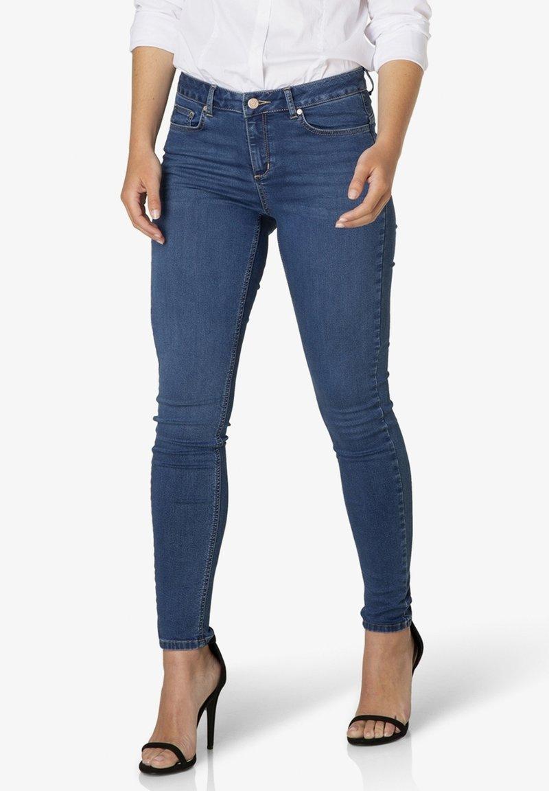 Yest - JOY - Slim fit jeans - mid blue