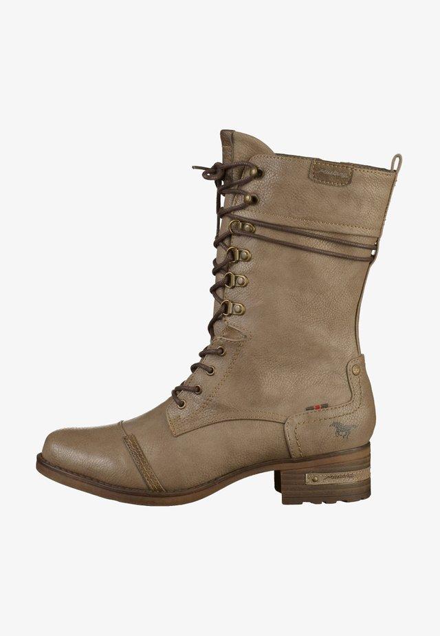 Šněrovací vysoké boty - beige