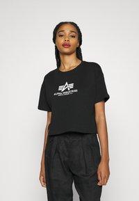 Alpha Industries - BOXY - Print T-shirt - black - 0