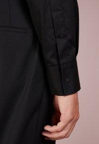 KARL LAGERFELD - Kostymskjorta - black - 3