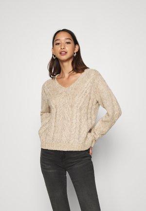 YASTIRA - Pullover - tawny brown