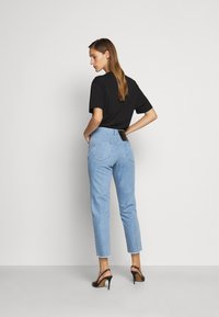 N°21 - Relaxed fit jeans - degradable blue - 2