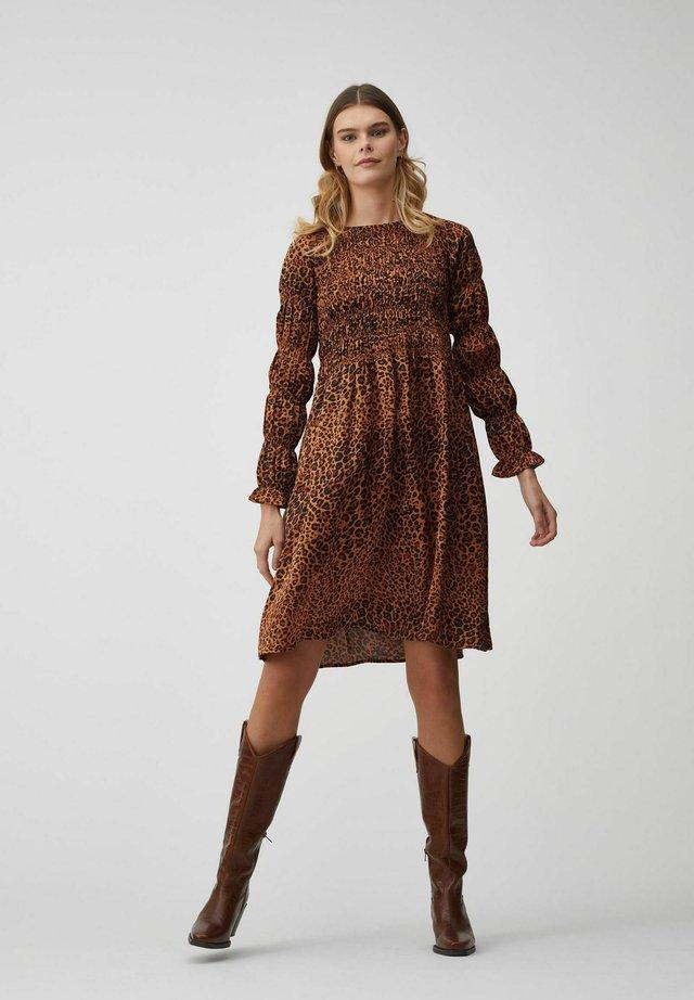 JULIE - Korte jurk - leopard