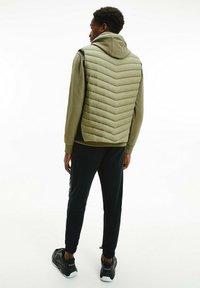 Calvin Klein - CRINKLE VEST - Waistcoat - delta green - 2