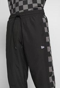 New Era - CONTEMPORARY JOGGER - Club wear - black - 4