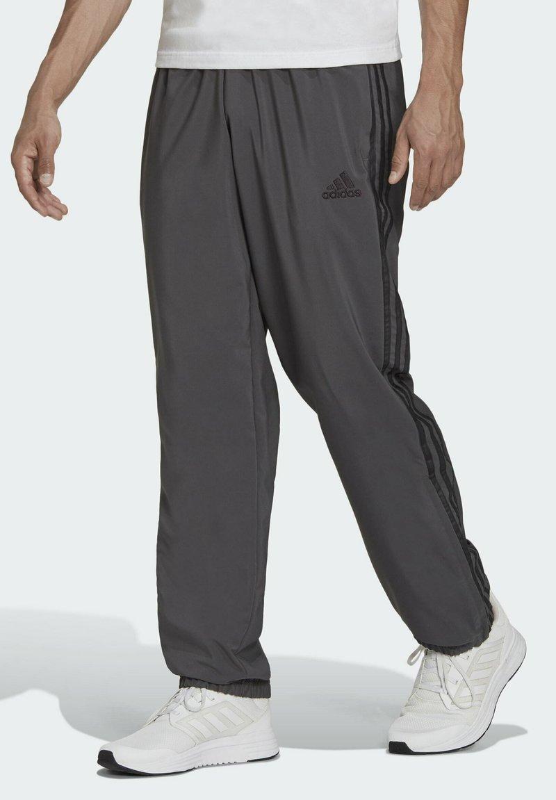 adidas Performance - AEROREADY SAMSON - Pantaloni sportivi - grey