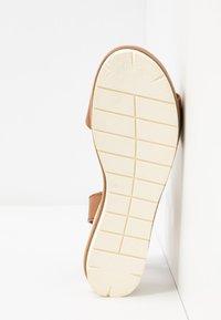 Tamaris - Platform sandals - nut - 4