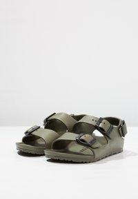 Birkenstock - MILANO KIDS - Sandały kąpielowe - khaki - 2