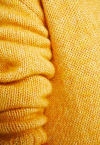 MAERZ Muenchen - LANG ARM - Gilet - spicy yellow - 4