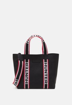 EAST WEST TOTE - Shoppingveske - black
