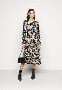 PIECES Tall - PCMAGGI MIDI DRESS - Denní šaty - black - 1