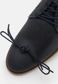 Bullboxer - Casual lace-ups - navy - 5
