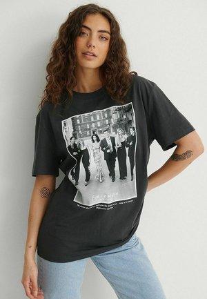 T-shirt print - grey friends poster