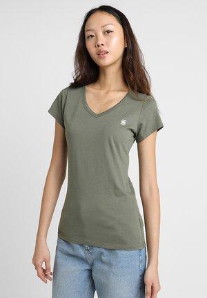 EYBEN SLIM - T-shirt basique - dk shamrock