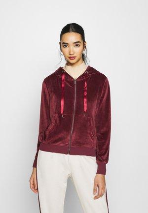 ONLTAMMY HOODIE - Zip-up hoodie - port royale