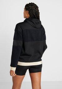 Nike Performance - ICON - Jersey con capucha - black/metallic gold - 2