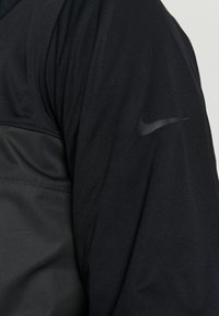 Nike Golf - SHIELD VICTORY HALF ZIP - Kurtka sportowa - black/smoke grey/black - 5