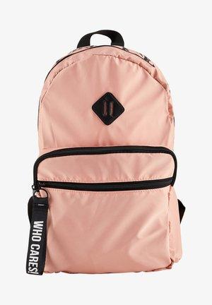 Ryggsäck - pink