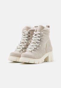 Mis Pepas - Lace-up ankle boots - hielo - 2