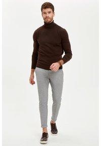 DeFacto - Stickad tröja - brown - 1