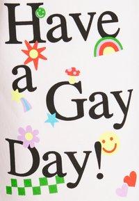 NEW girl ORDER - HAVE A GAY DAY PRIDE - Pantalones deportivos - pink - 2