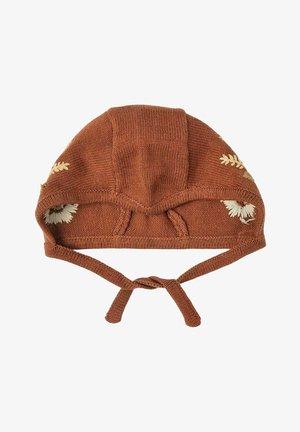 Muts - tobacco brown