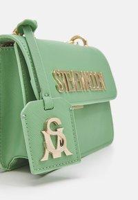 Steve Madden - BSTAKES - Handbag - mint - 3