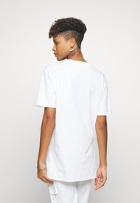 Missguided - MILANO GRAPHIC SHORT SLEEVE  - T-shirt con stampa - white - 2
