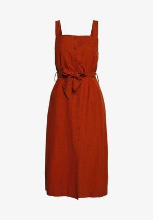 HIGHMEAD DRESS - Vardagsklänning - leather brown