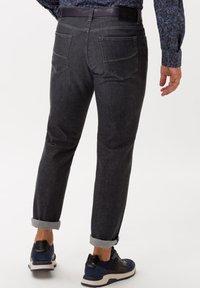 BRAX - STYLE CADIZ - Straight leg jeans - silver sea - 2