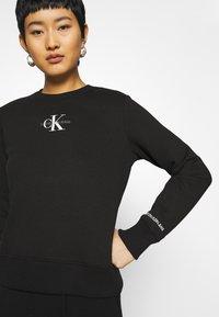 Calvin Klein Jeans - Sweatshirt - black - 5