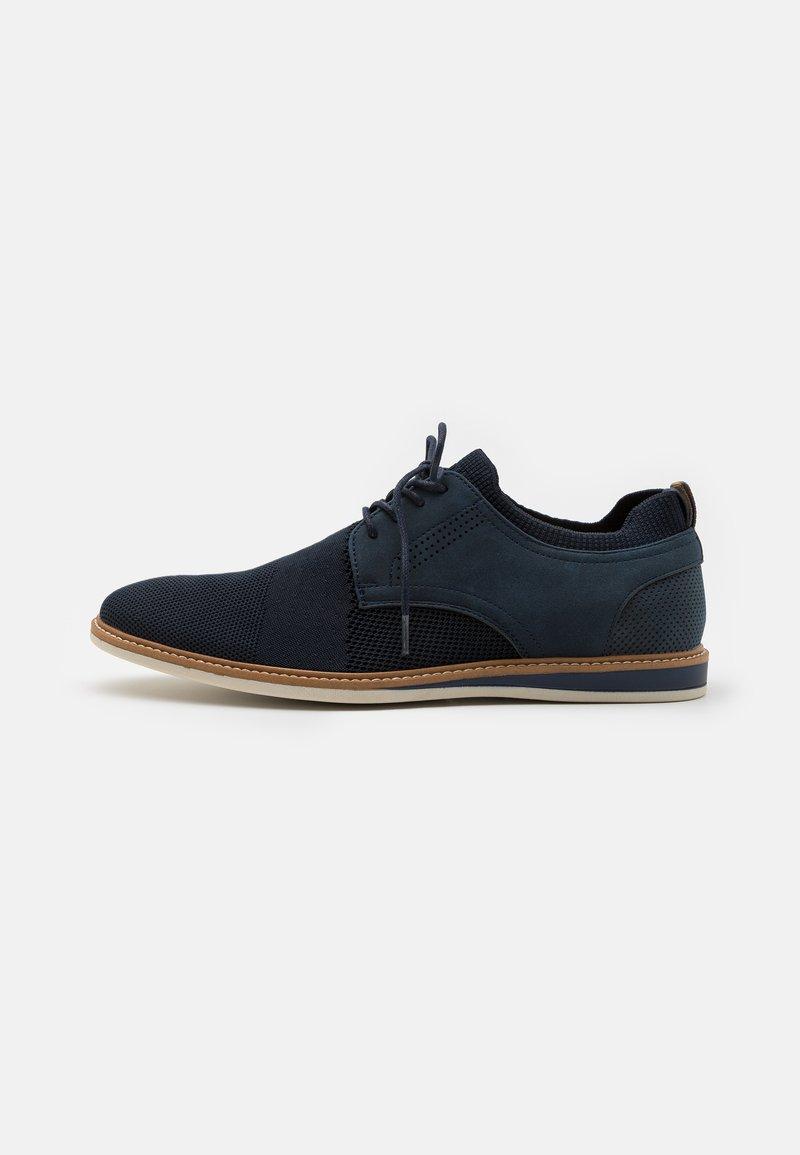 Call it Spring - VEGAN MORRIS - Zapatos con cordones - navy