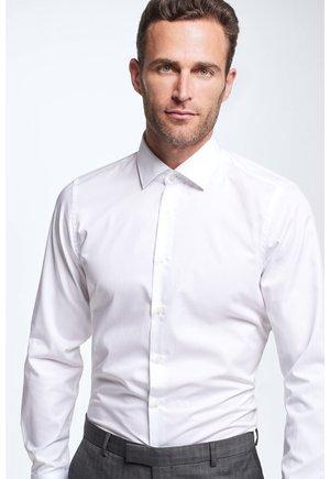 SANTOS SLIM FIT - Formal shirt - white