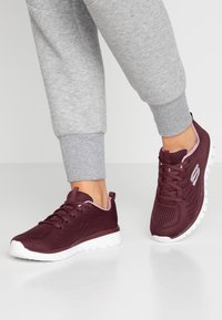 Skechers Sport - GRACEFUL - Tenisky - wine/lavender trim - 0