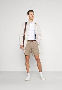 Selected Homme - SLHSTORM FLEX - Shorts - petrified oak/mix bungee - 1