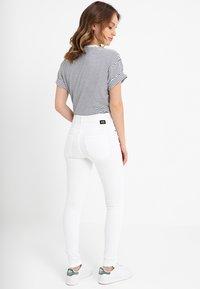 Dr.Denim Petite - LEXY - Skinny džíny - white - 2