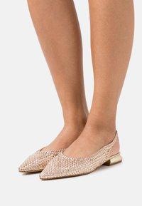 Tosca Blu - GEMMA - Ballerinaskor med slingback - cipria - 0