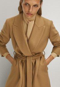 Massimo Dutti - Płaszcz wełniany /Płaszcz klasyczny - beige - 3