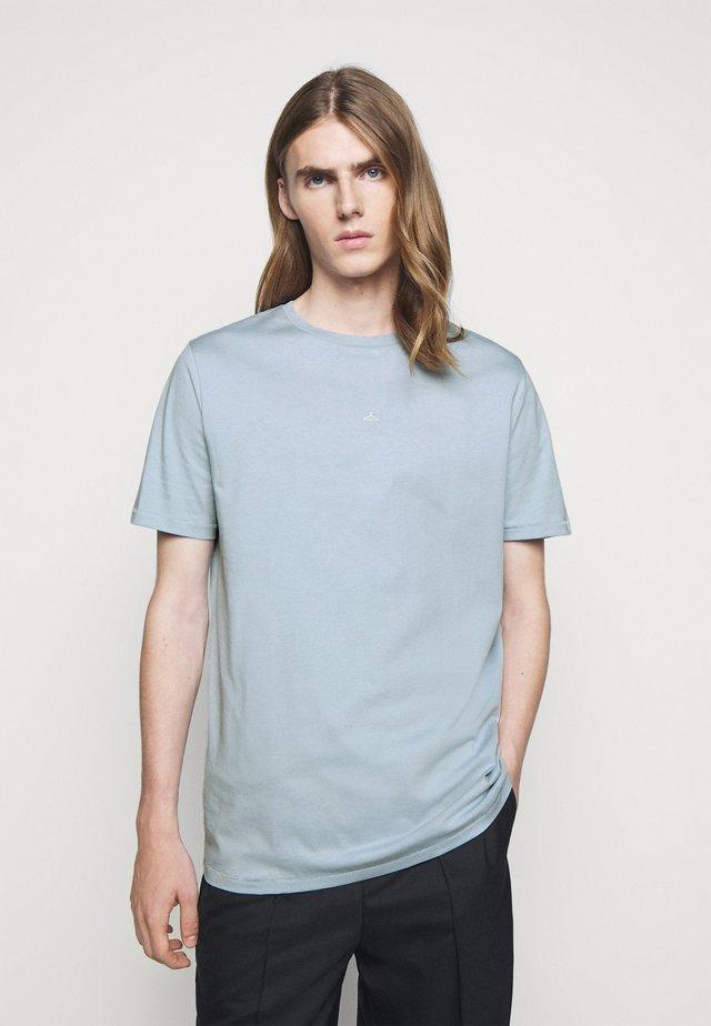 HANGER TEE - T-shirt basique - pale blue