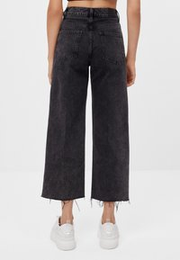 Bershka - Jeans Straight Leg - black denim - 2