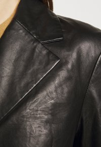 House of Dagmar - CHARLOTTE  - Leather jacket - black - 6
