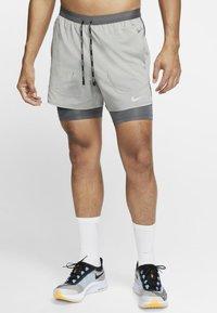 Nike Performance - Sports shorts - iron grey/iron grey/heather - 0