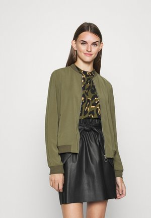 VMCOCO - Bomber Jacket - ivy green