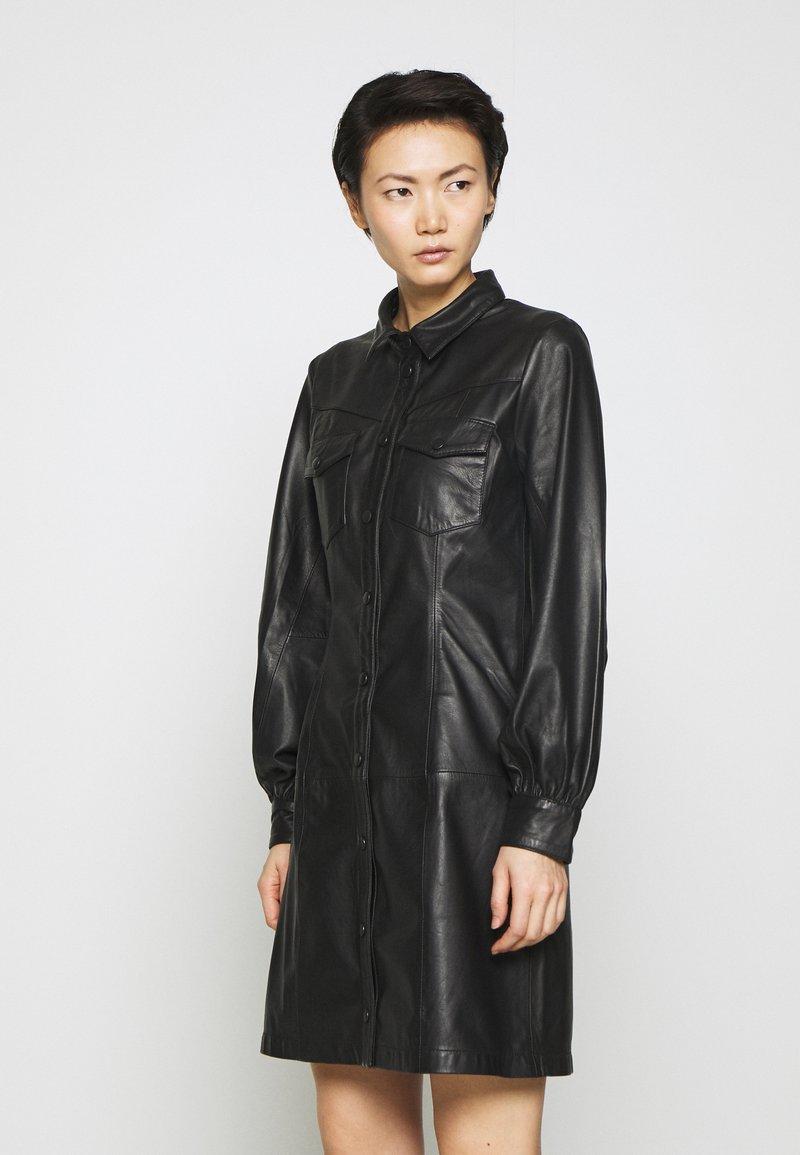 Bruuns Bazaar - PECAN ZADENA DRESS - Košilové šaty - black