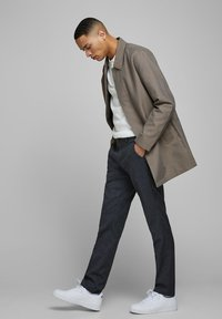 Jack & Jones PREMIUM - Cappotto corto - brown stone - 3