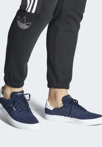adidas Originals - 3MC SHOES - Sneakers laag - blue - 0