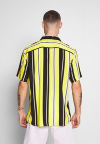 Only & Sons - ONSCARTER STRIPED - Chemise - blazing yellow - 2