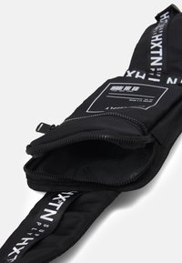 HXTN Supply - PRIME HARNESS UNISEX - Sac bandoulière - black - 2