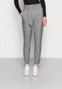 Vero Moda - VMEVA PAPERBAG CHECK PANT - Bukse - grey/white - 0